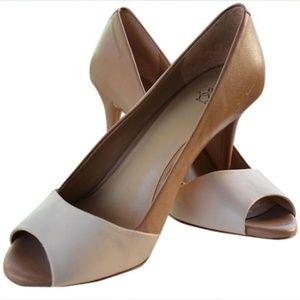 Ann taylor two tone peep toe neutral heels 9